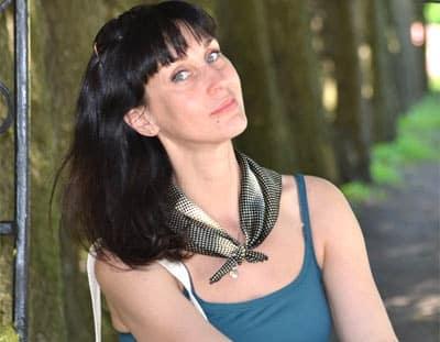 Femme Mariée Dominatrice Difficile à Satisfaire Au Lit Sur Besançon Sur Plan Cul Besancon